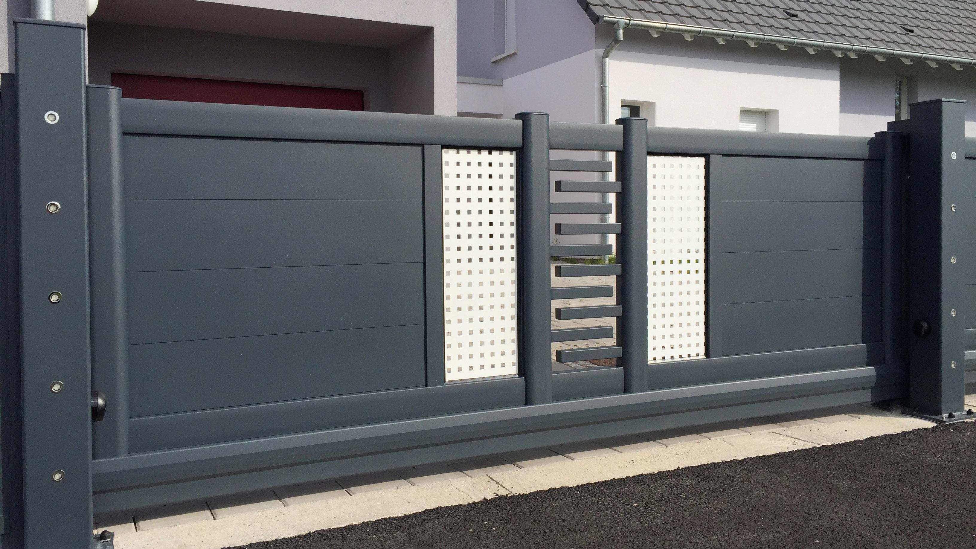 art et portails portail aluminium portail coulissant cl tures et garde corps